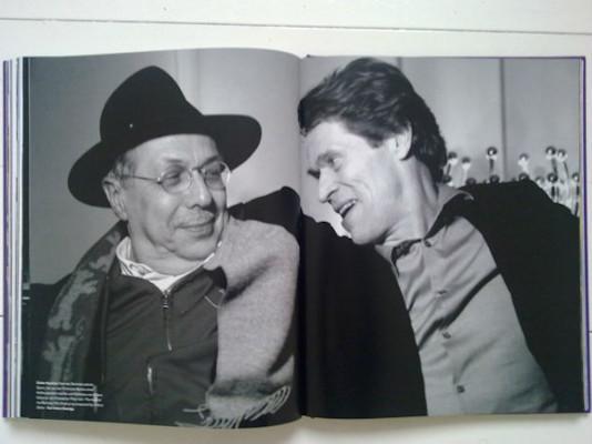 10 альбомов о современном Берлине: Бунт молодежи, панки и знаменитости. Изображение №130.