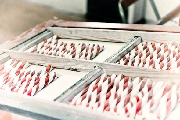 Mастерская по изготовлению леденцов polkagris в Гренне . Изображение №17.