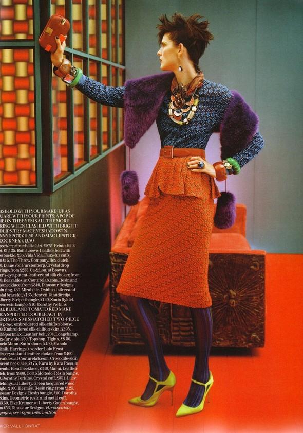 Съёмка: Стелла Теннант для британского Vogue. Изображение № 12.