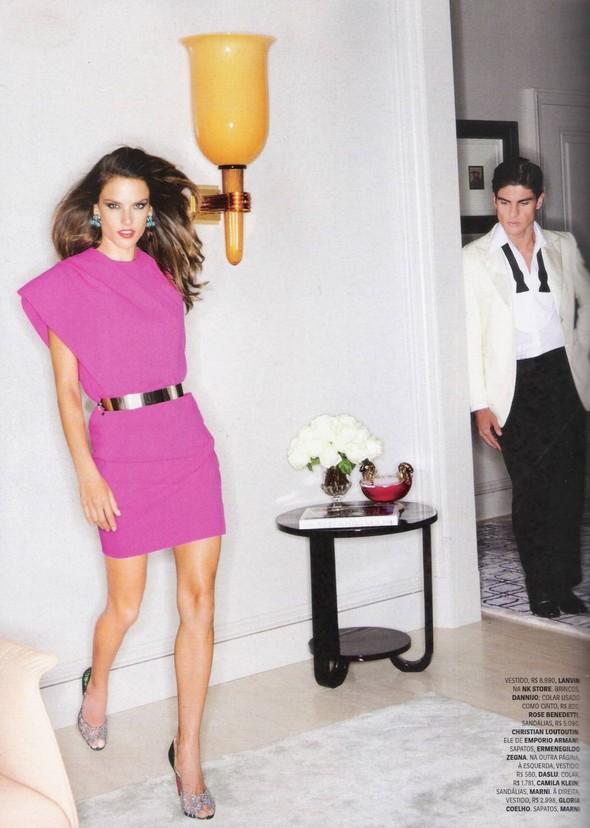 Съёмка: Алессандра Амброзио, Эмануэла де Паула и другие для Vogue. Изображение № 7.