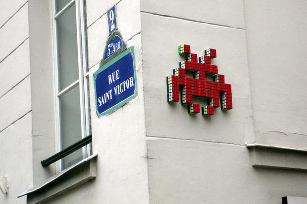 Французский художник Invader отправил свою работу в космос. Изображение № 3.