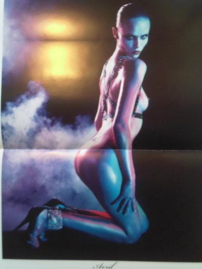 Календарь французского Vogue: отдушина Карин. Изображение № 4.