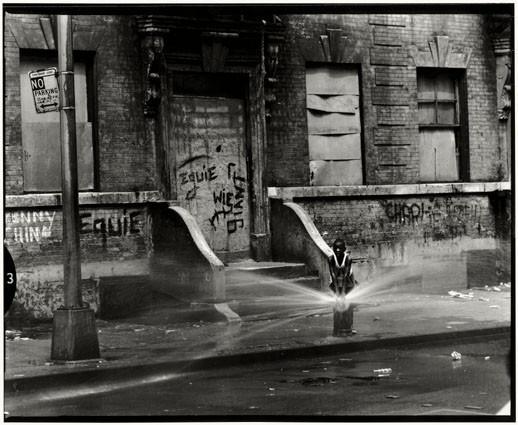 Bruce Davidson – красота гетто. Изображение № 48.