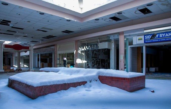 Фото: заброшенный торговый центр в США. Изображение № 4.
