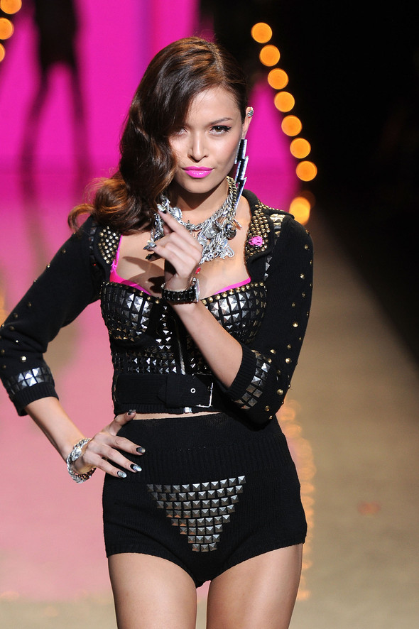 New York Fashion Week: Betsey Johnson Spring 2012. Изображение № 62.