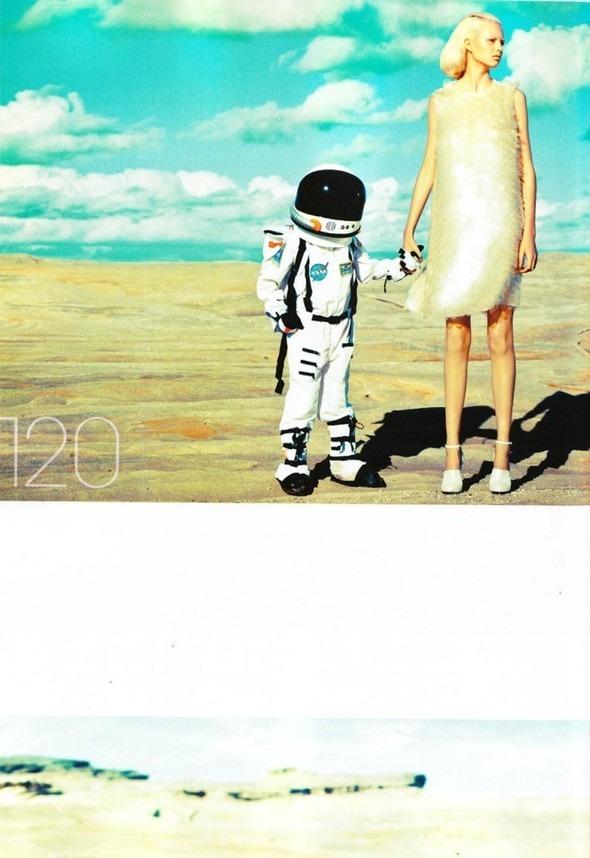 Космос рядом: модные съемки к выходу фильма «Прометей». Изображение №2.
