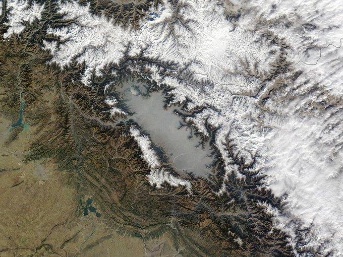 Туман над долиной Кашмир, Индия. Фото со спутника Terra. Изображение № 8.