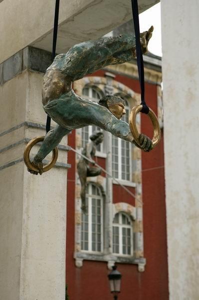 Скульптуры Джерзи Кедзиоры, парящие в воздухе. Изображение № 41.