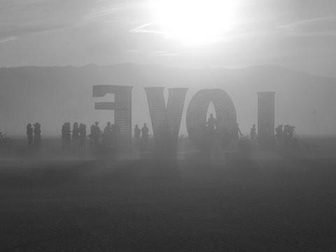 Burning Man 2011. Пыль и шарики. Изображение № 9.