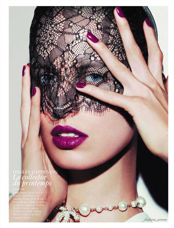 Съёмка: Аризона Мьюз, Каролина Куркова, Наташа Поли и другие для французского Vogue. Изображение № 10.