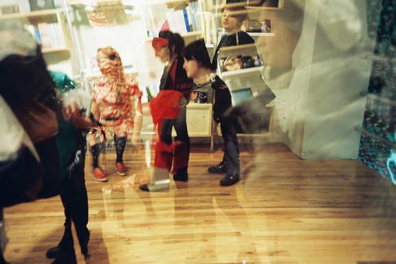 Галерея-магазин Ломографии вНью-Йорке. Изображение № 4.