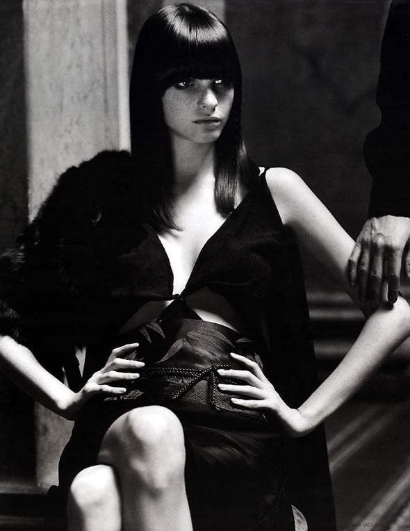 Архивная съёмка: Макс Вадукул для российского Vogue, 2002. Изображение № 7.