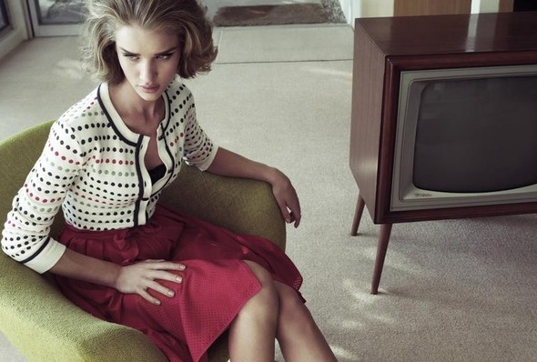 Рози Хантингтон для Harper's Bazaar UK. Изображение № 7.