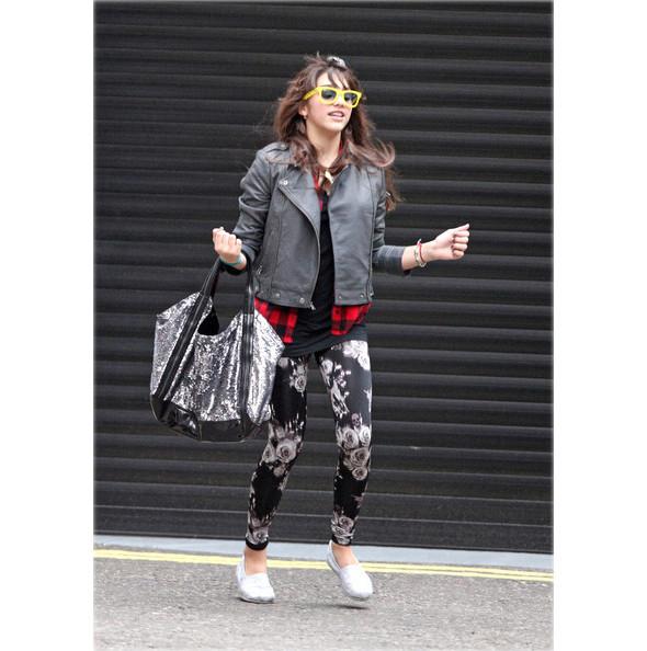 Мадонна создает одежду вместе с дочерью. Изображение № 4.