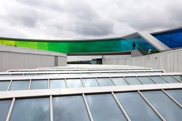 Изображение 3. Архитектурное бюро Olafur Eliasson придумало радужную панораму.. Изображение № 3.
