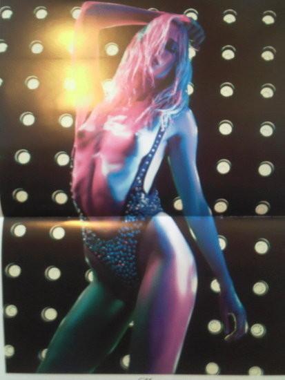 Календарь французского Vogue: отдушина Карин. Изображение № 3.