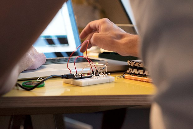 Как сделать передатчик сигнала SOS с помощью платформы Arduino. Изображение № 20.