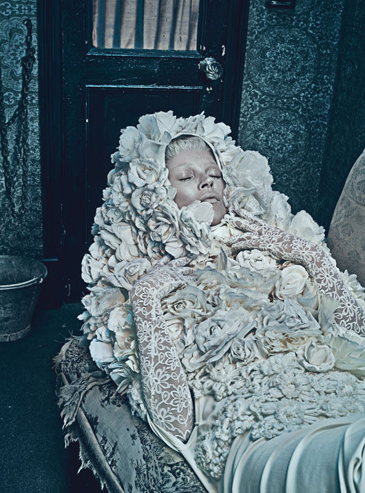 Зловещие мертвецы: 10 съемок к Хеллоуину. Изображение №73.