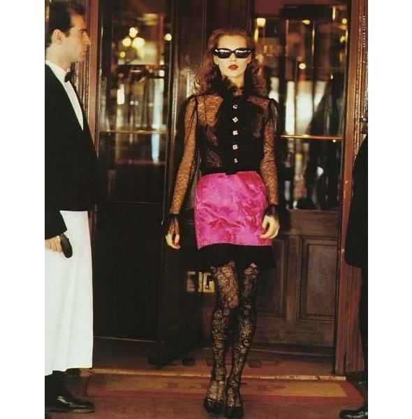 Архивная съёмка: Кейт Мосс для итальянского Vogue, 1993. Изображение № 3.