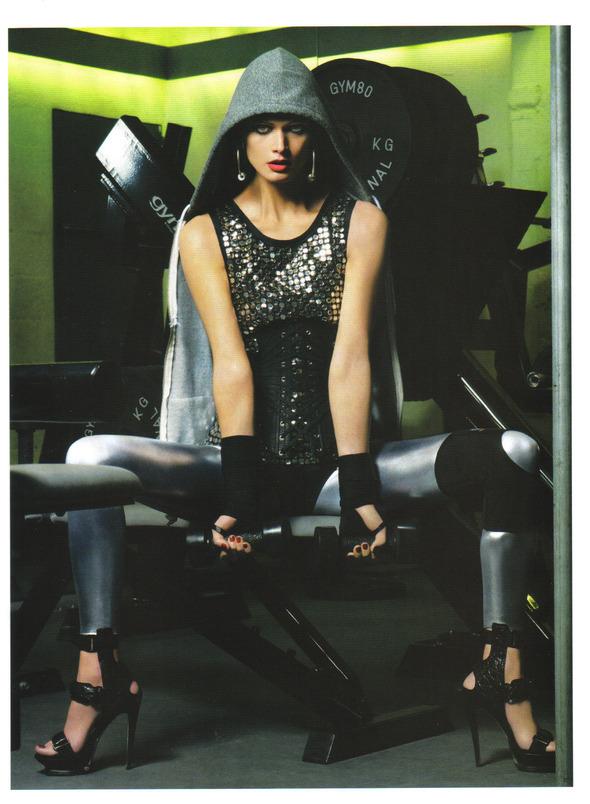 Быстрее, выше, сильнее: Модные съемки, вдохновленные спортом. Изображение №60.