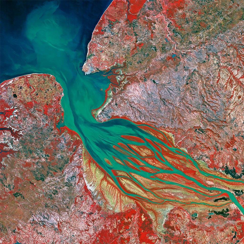 Снимки из космоса: Как люди осваивают и разрушают планету. Изображение № 5.