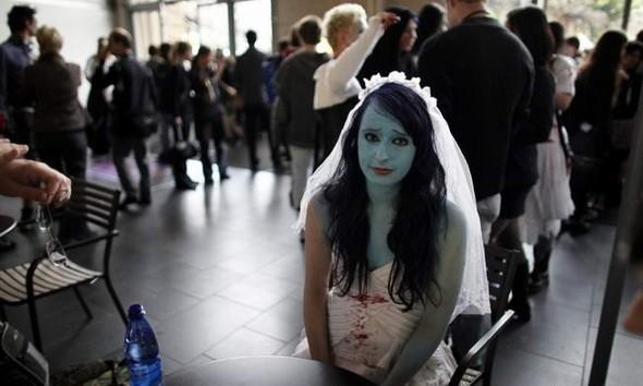 ВоФранкфурте прошел парад зомби. Изображение № 2.