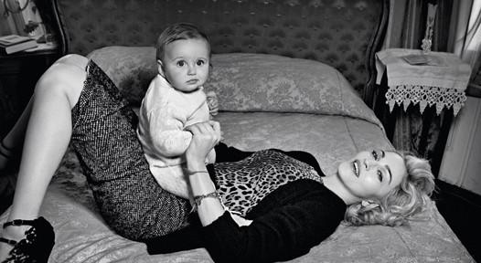Мадонна в новой рекламе D&G. Изображение № 5.