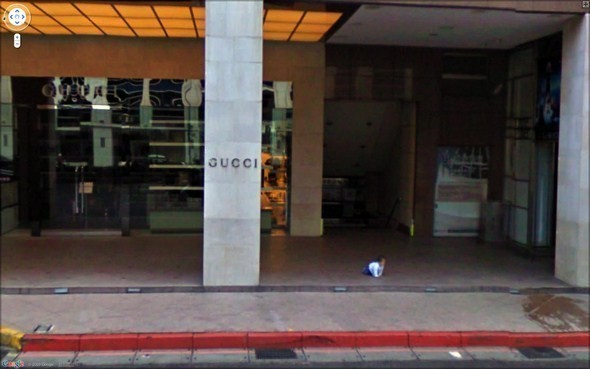 Изображение 1. Интересные уличные сцены, подсмотренные с Google Streets.. Изображение № 1.