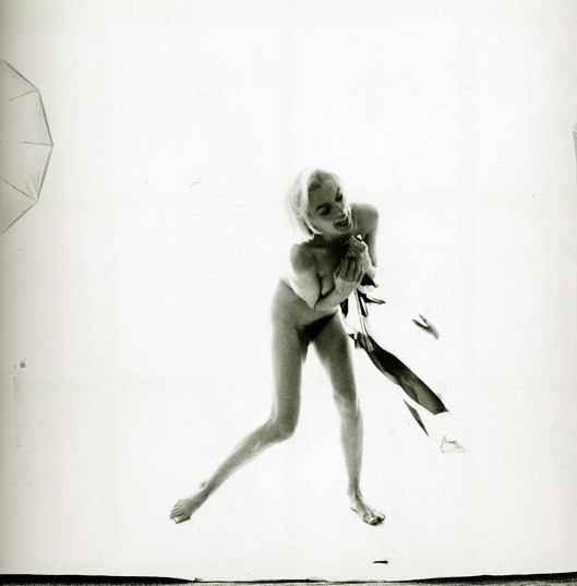Части тела: Обнаженные женщины на фотографиях 50-60х годов. Изображение № 94.
