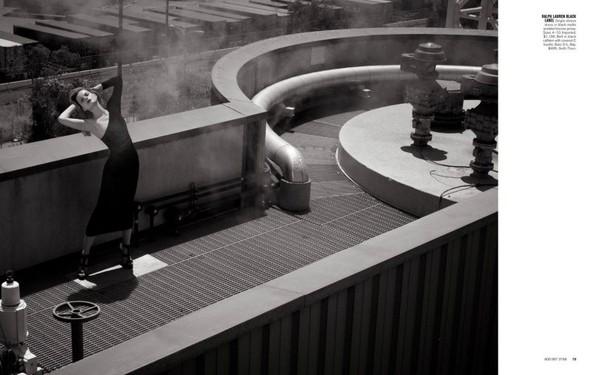 Съёмка: Жиневье ван Синус для Bergdorf Goodman. Изображение № 18.