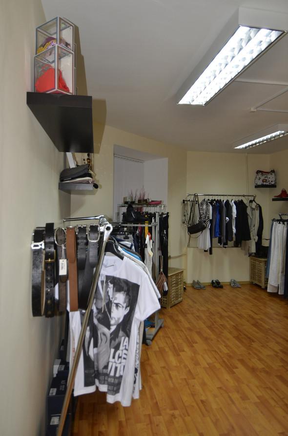 В СПб в зоне бутиков открылся шоу-рум брендовой одежды по низким ценам. Изображение № 4.