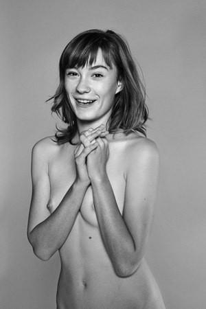 Части тела: Обнаженные женщины на фотографиях 1990-2000-х годов. Изображение №252.