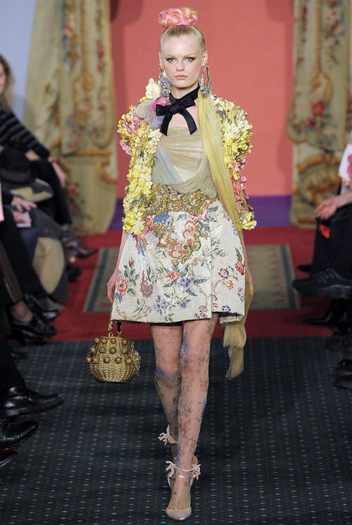 Неделя высокой моды вПариже: Кристиан Лакруа. Изображение № 8.