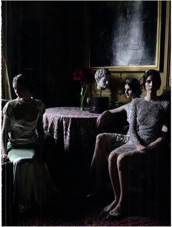Съёмка: Кутюр Valentino в итальянском Vogue. Изображение № 8.