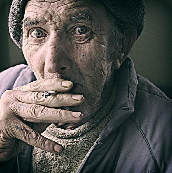 Elderly. Изображение № 5.