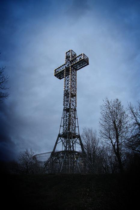 Только потому что крест-часть вторая. Изображение № 21.