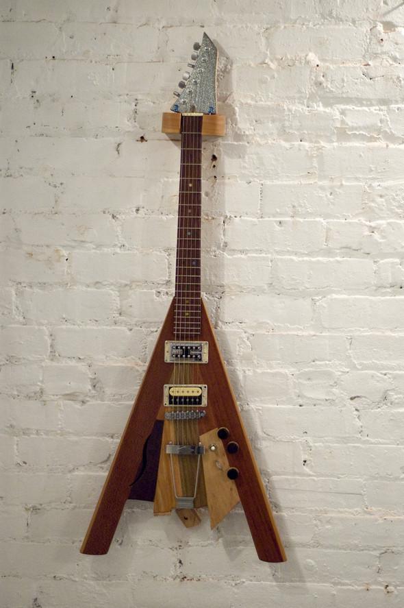 Странные гитары Бена Симона. Изображение № 5.