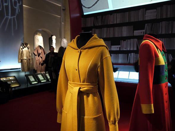 Выставка: «Пальто! Max Mara, 60 лет итальянской моды». Изображение № 11.
