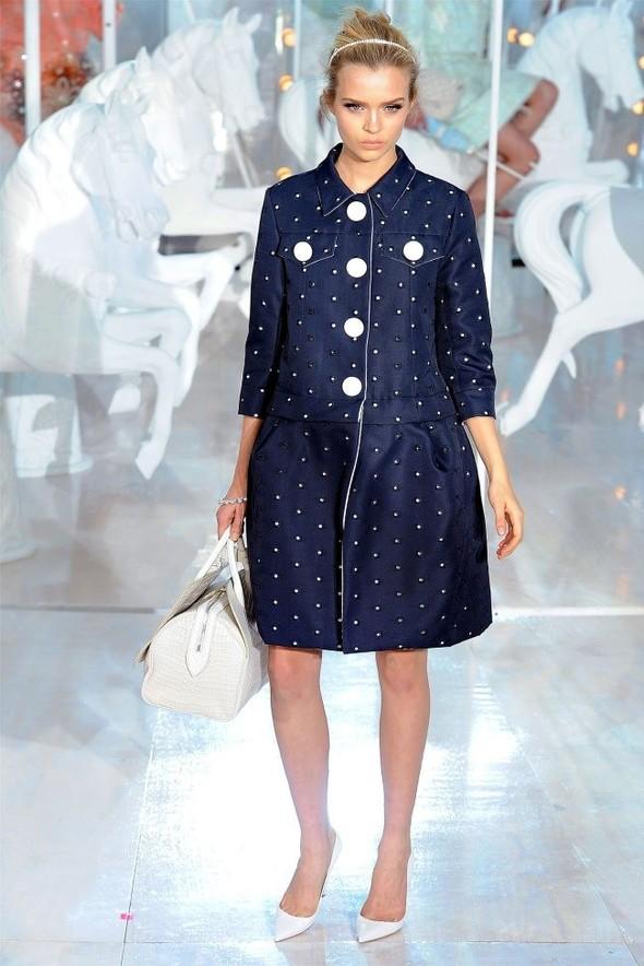 Неделя моды в Париже: Louis Vuitton весна 2012. Изображение № 20.