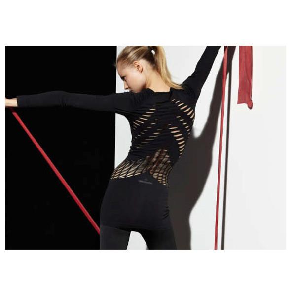 Стелла Маккартни создала светящуюся одежду для Adidas. Изображение № 13.