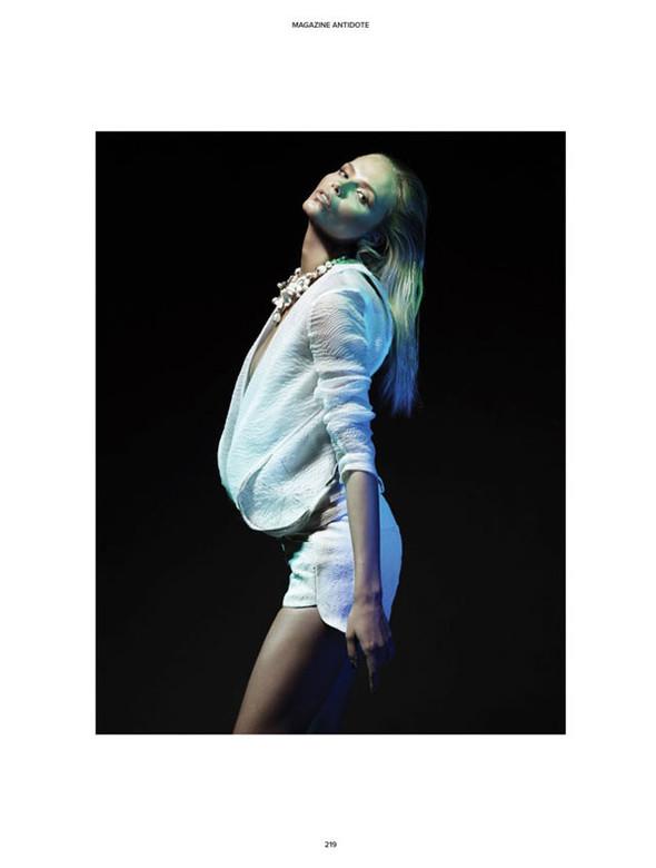 Съёмки: Antidote, Lula, Numero и Vogue. Изображение № 8.