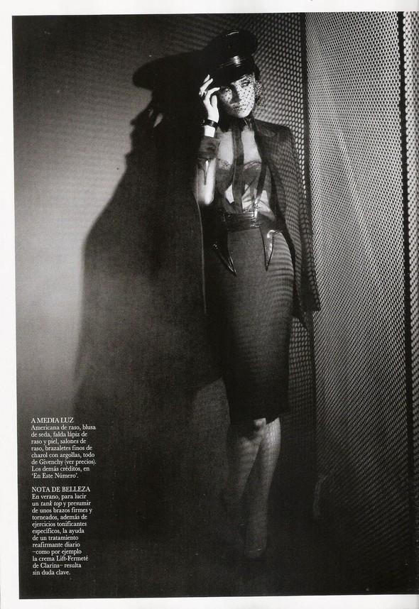 Съёмка: Кэти Холмс для Vogue. Изображение № 7.