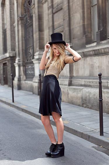 Уличный стиль на Неделе высокой моды в Париже. Изображение № 78.