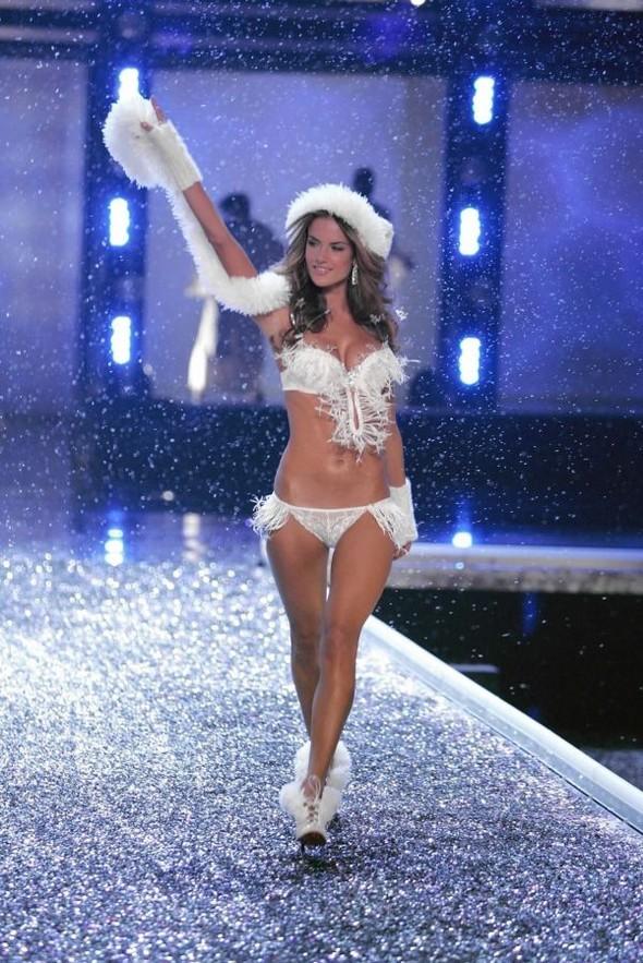 Victoria's Secret Lingerie Fashion Show 2008. Изображение № 39.