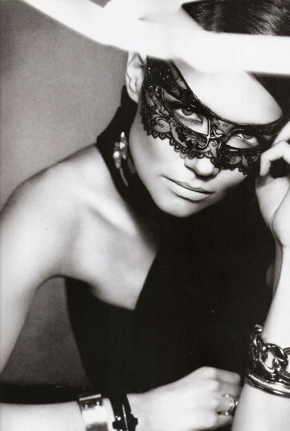 Съёмка: Кэти Холмс для Vogue. Изображение № 8.
