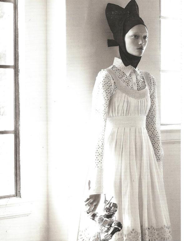 Архивная съёмка: Монахини и роботы в объективе Стивена Мейзела, 2006. Изображение № 6.