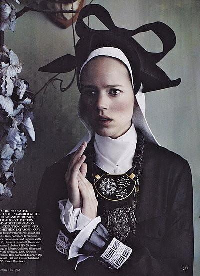 Съёмка: Аризона Мьюз и Фрея Беха Эриксен для британского Vogue. Изображение № 7.