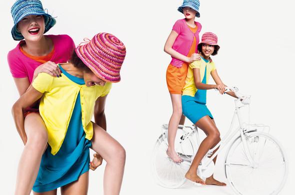 Кампания: United Colors of Benetton SS 2012. Изображение № 6.