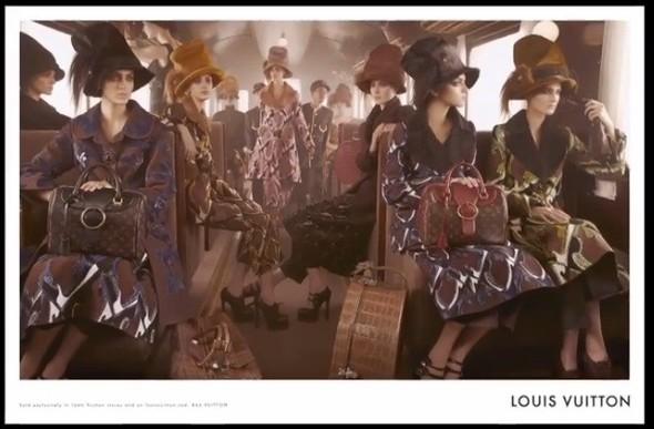 Превью кампаний: Prada, Louis Vuitton, Valentino и другие. Изображение № 19.