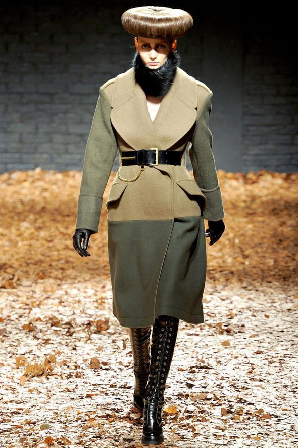 Лукбук McQ by A. McQueen F/W 2012-13, Женская и мужская коллекции. Изображение № 1.